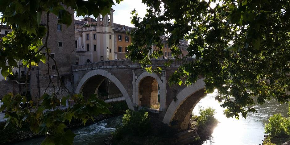 Private Tours of Rome Isola Tiberina